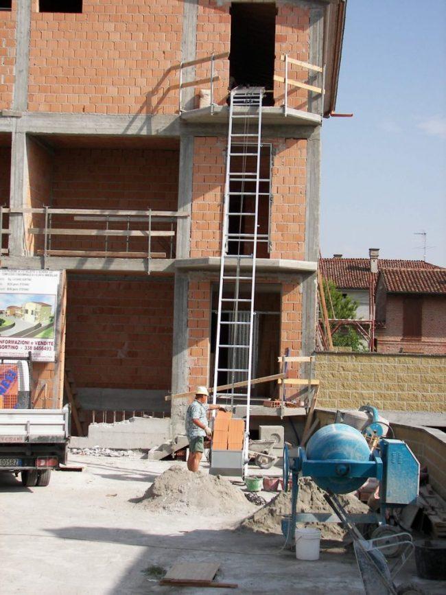 Lift construcții ES 150