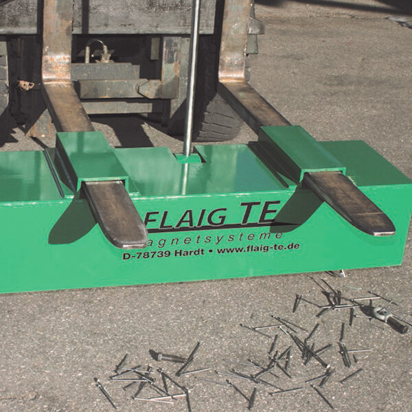 Colector magnetic teren